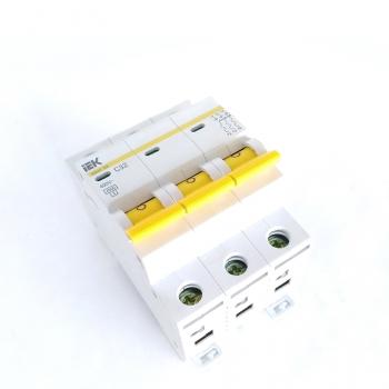 Автоматический выключатель ВА49-27 3Р С32 ЭВП 18